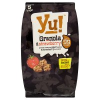 Yu! granola & strawberry fruit pieces