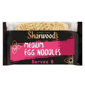 Sharwoods medium egg noodles