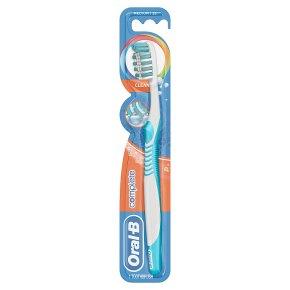 Oral-B Advantage Plus Medium Toothbrush