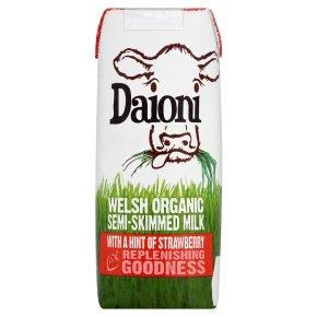 Daioni Welsh Semi-Skimmed Milk with Strawberry