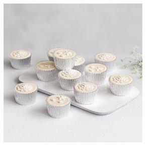 12 Blossom Golden Sponge Ivory Cupcakes