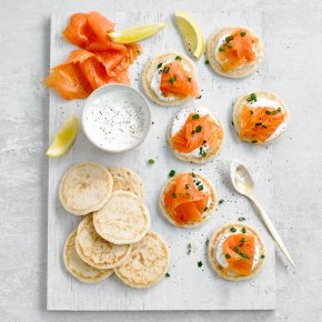 24 Smoked Salmon Blinis
